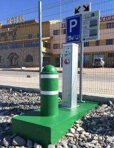 L'estació de La Jonquera instal·la sortidors elèctrics sostenibles pels camions refrigerats