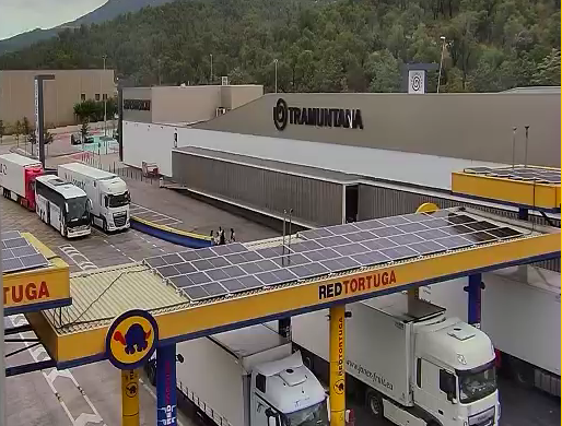 Instal·lem plaques solars a la nostra estació de La Jonquera